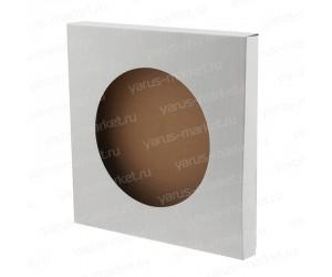 Картонная коробка с круглым окошком